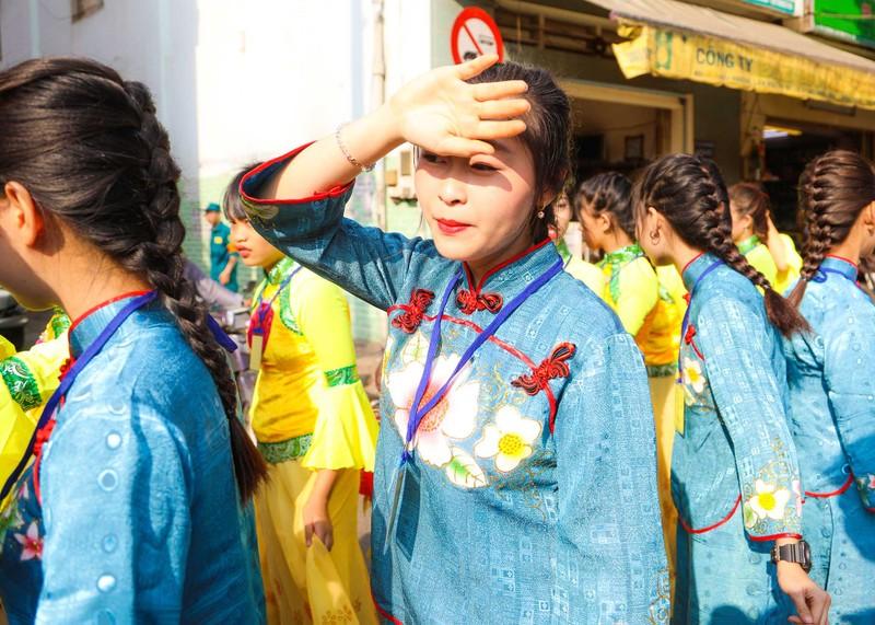 Những 'tiên nữ' xuất hiện trong lễ hội Tết nguyên tiêu  - ảnh 7