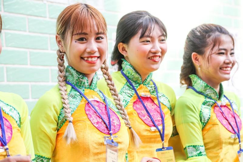 Những 'tiên nữ' xuất hiện trong lễ hội Tết nguyên tiêu  - ảnh 6