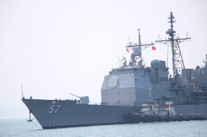 Tàu hộ tống của hải quân Mỹ đang tiến vào cảng Tiên Sa - ảnh 8