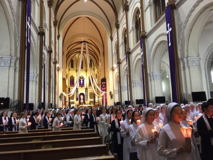Trực tiếp lễ rước Đức Tổng Giám mục Phaolô Bùi Văn Đọc - ảnh 2