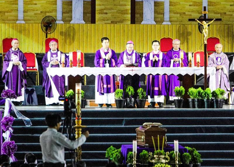 Trực tiếp lễ rước Đức Tổng Giám mục Phaolô Bùi Văn Đọc - ảnh 16