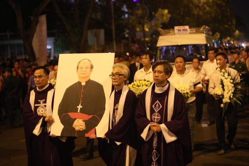 Trực tiếp lễ rước Đức Tổng Giám mục Phaolô Bùi Văn Đọc - ảnh 6
