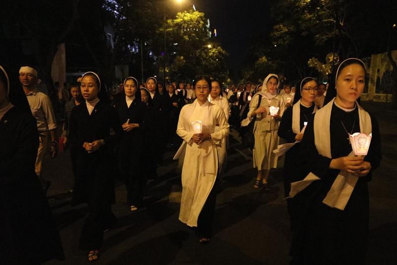 Trực tiếp lễ rước Đức Tổng Giám mục Phaolô Bùi Văn Đọc - ảnh 13