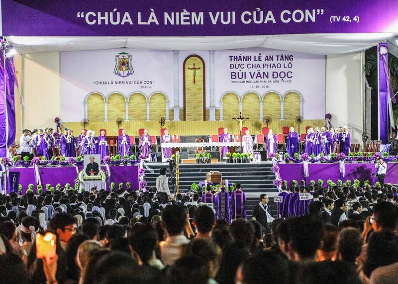 Trực tiếp lễ rước Đức Tổng Giám mục Phaolô Bùi Văn Đọc - ảnh 15