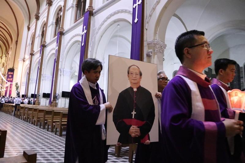 Trực tiếp lễ rước Đức Tổng Giám mục Phaolô Bùi Văn Đọc - ảnh 3