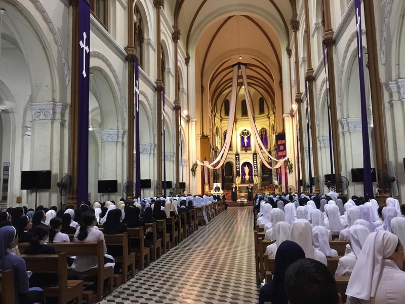 Trực tiếp lễ rước Đức Tổng Giám mục Phaolô Bùi Văn Đọc - ảnh 18
