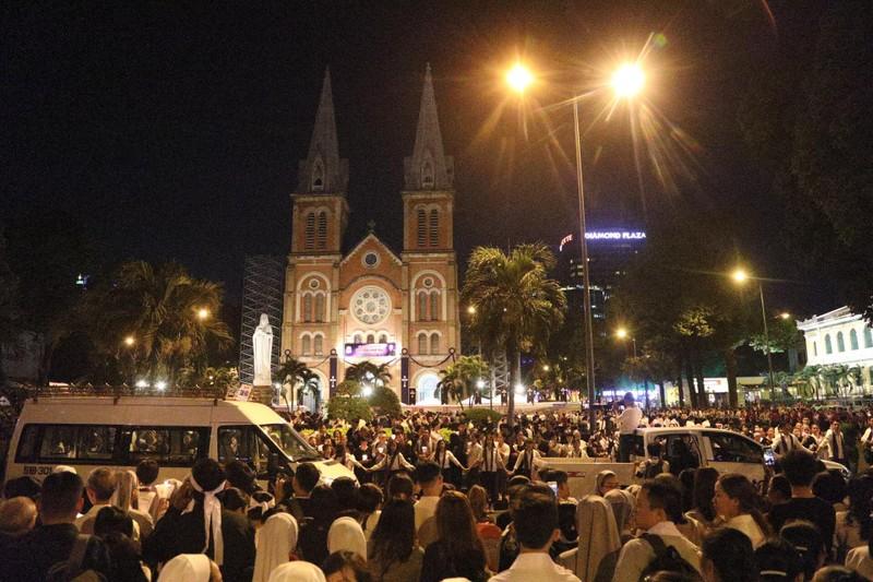 Trực tiếp lễ rước Đức Tổng Giám mục Phaolô Bùi Văn Đọc - ảnh 17