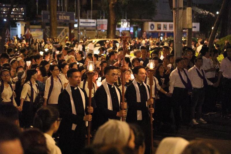 Trực tiếp lễ rước Đức Tổng Giám mục Phaolô Bùi Văn Đọc - ảnh 21