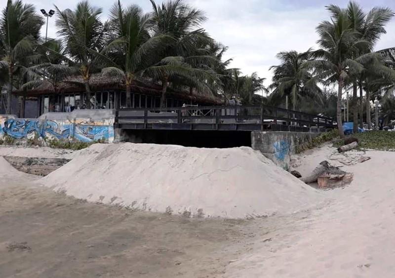Hàng loạt tầng hầm khách sạn ngập nặng trong mưa ở Đà Nẵng - ảnh 4