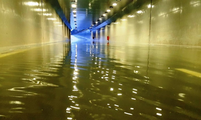 Đà Nẵng: mưa lớn kéo dài khiến hầm chui, chung cư ngập nặng - ảnh 4