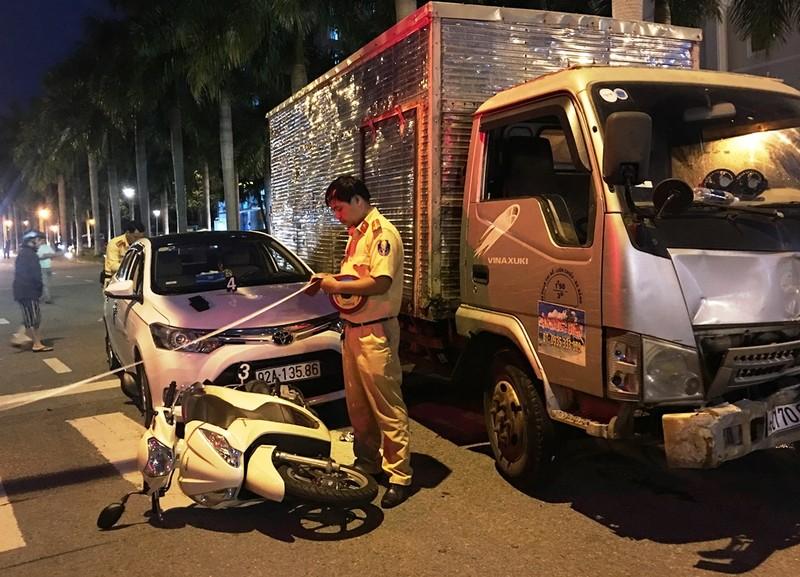 Xe tải tông xe chờ đèn đỏ ở Đà Nẵng quá hạn kiểm định 3 tháng - ảnh 2