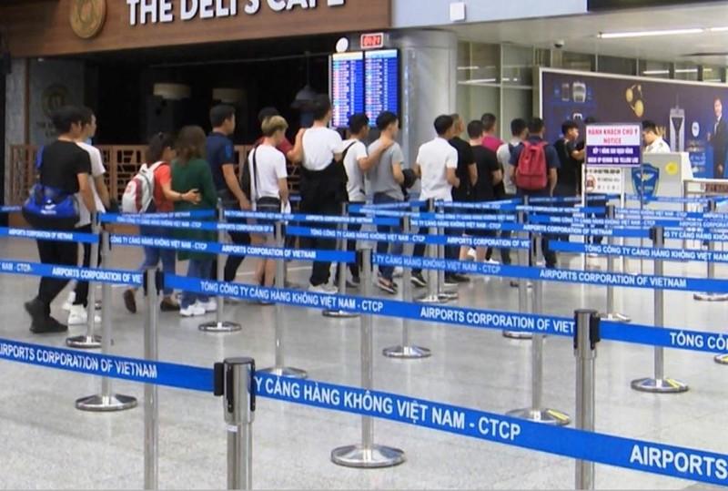 Đưa nhóm tổ chức đánh bạc ở Đà Nẵng ra Quảng Ninh bằng máy bay - ảnh 1