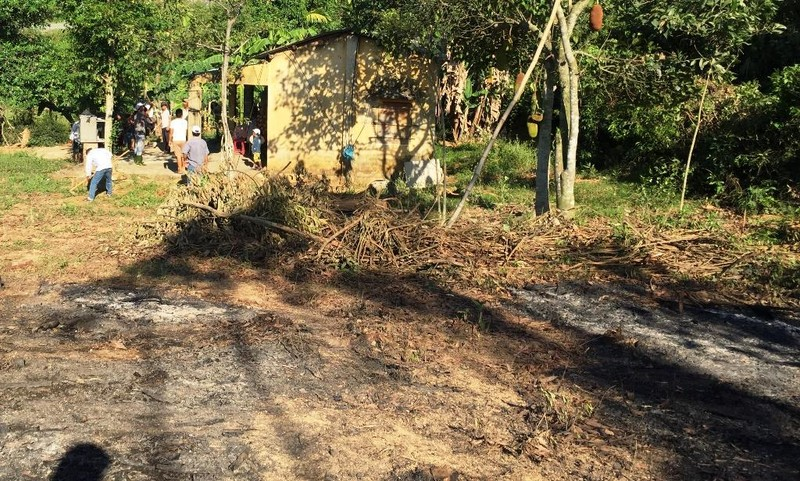 Xót xa dập đám cháy rẫy phát hiện thi thể cụ ông 88 tuổi  - ảnh 1