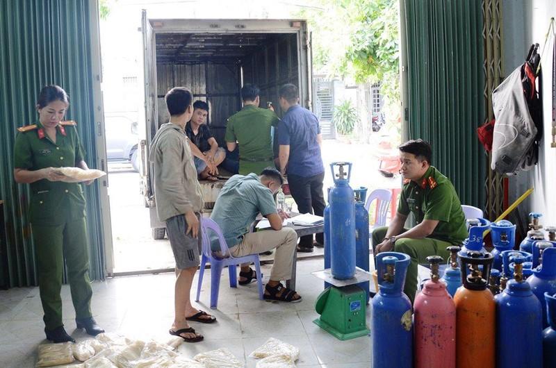 Phát hiện kho 'bóng cười' lớn nhất từ trước tới nay ở Đà Nẵng - ảnh 1