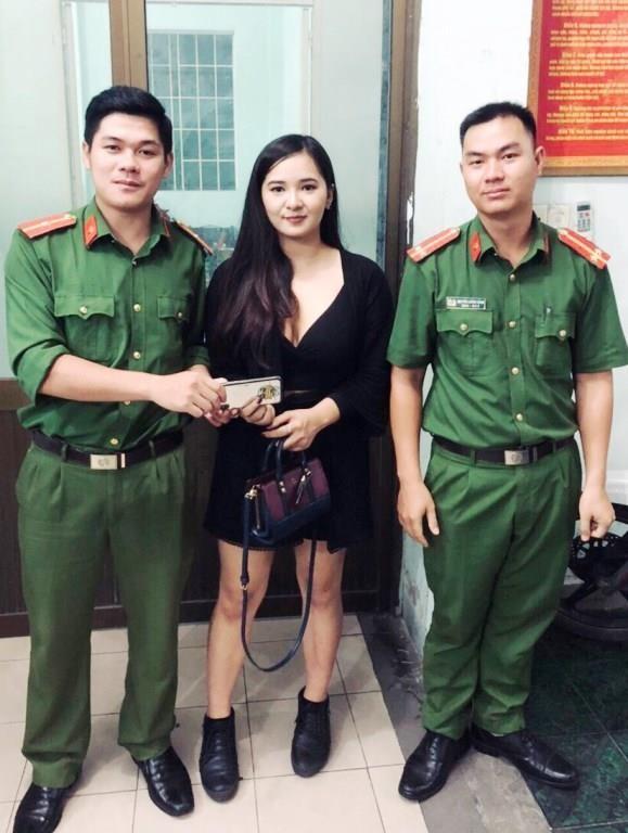 Nữ du khách Thái Lan bỏ quên iPhone trên xe Grab - ảnh 1