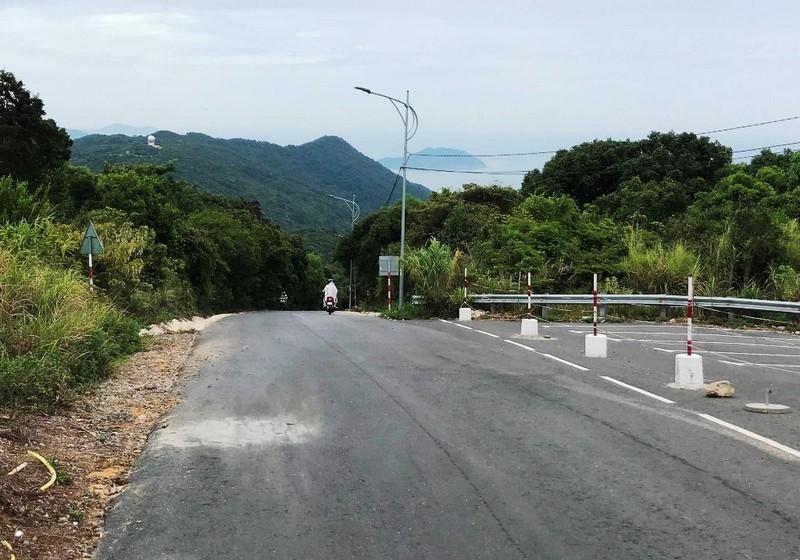 Cận cảnh những đoạn nguy hiểm của đường lên Sơn Trà - ảnh 2