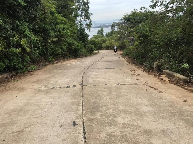 Cận cảnh những đoạn nguy hiểm của đường lên Sơn Trà - ảnh 6