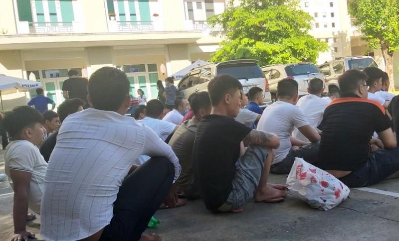 Hàng chục nam nữ phê ma túy trong quán karaoke ở Đà Nẵng - ảnh 1