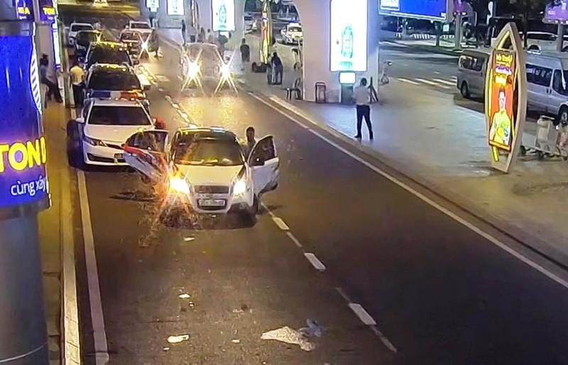 TTGT Đà Nẵng giải thích vụ chặn ô tô Grab gây sốt mạng - ảnh 1