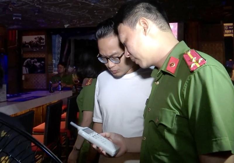 Đà Nẵng: Hàng loạt quán bar bị xử phạt vì tiếng ồn, quá giờ - ảnh 1