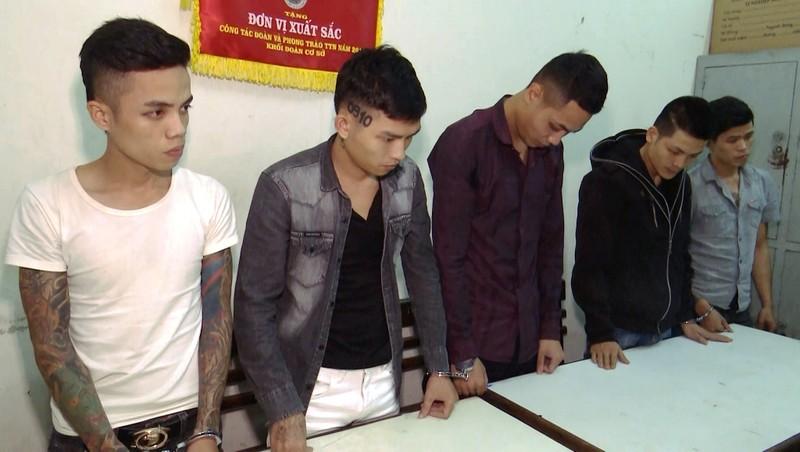 Đón xe khách từ Huế vào Đà Nẵng tổ chức hỗn chiến - ảnh 1