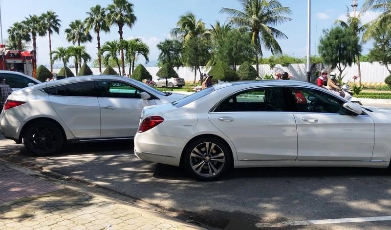Cháy tầng hầm căn biệt thự chứa nhiều ô tô sang ở Đà Nẵng - ảnh 2