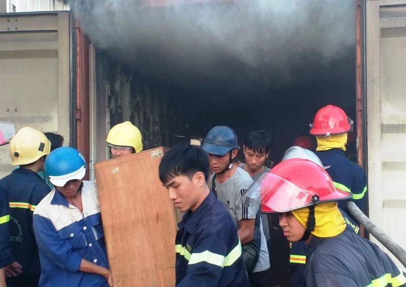 Cháy kho chứa thiết bị năng lượng mặt trời ở Đà Nẵng - ảnh 2