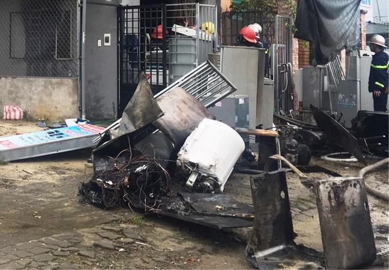 Cháy kèm tiếng nổ lớn trong cửa hàng điện lạnh ở Đà Nẵng - ảnh 3