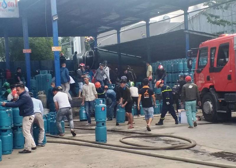 Cháy công ty sát kho gas ở Đà Nẵng - ảnh 2