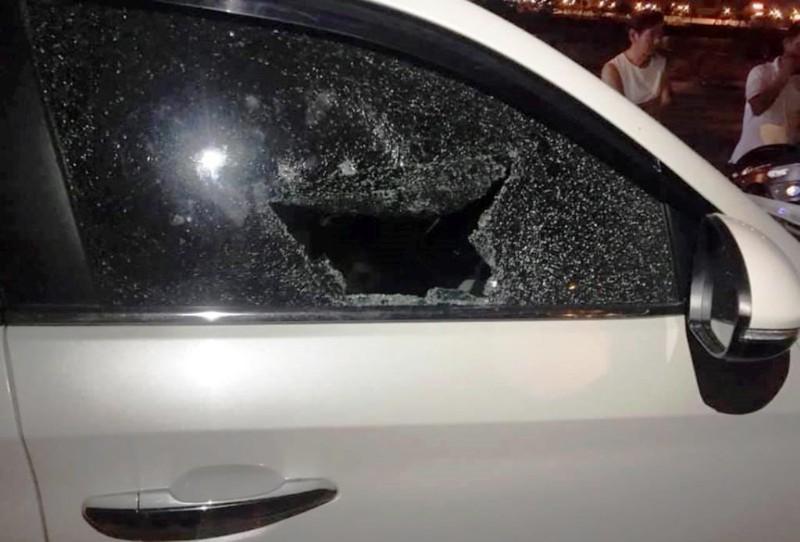 Kẻ trộm đập kính ô tô 'chê' điện thoại, máy tính - ảnh 2