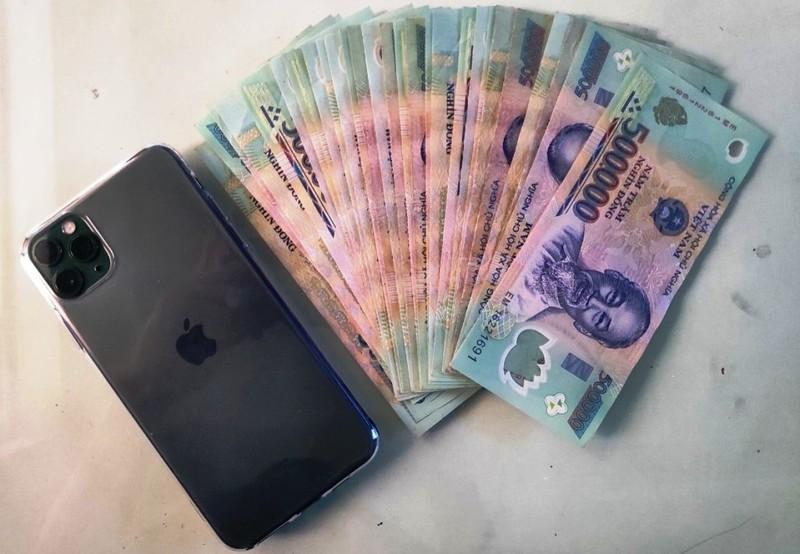 Bắt kẻ chuyên lừa iPhone xịn tại Đà Nẵng - ảnh 2