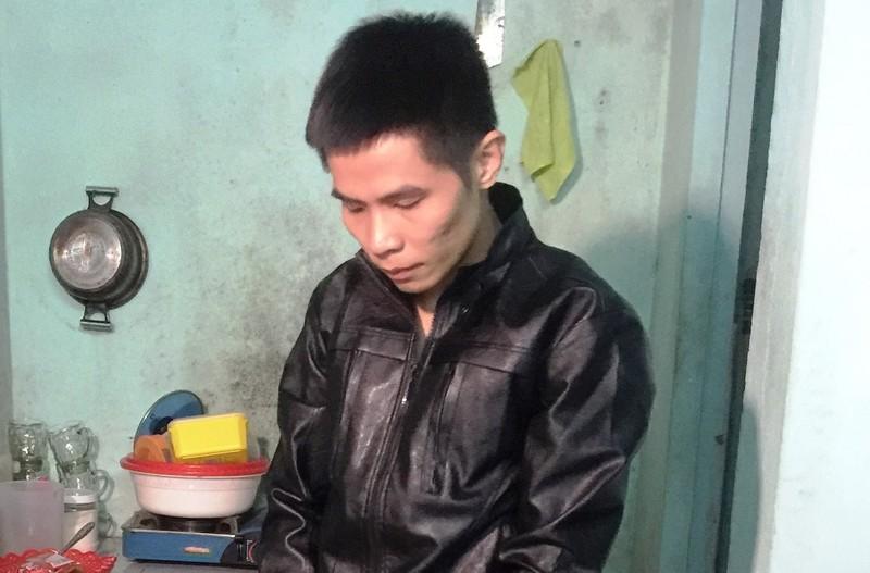 Thợ sửa nước 'tiện tay' trộm gần 100 công tơ điện - ảnh 1