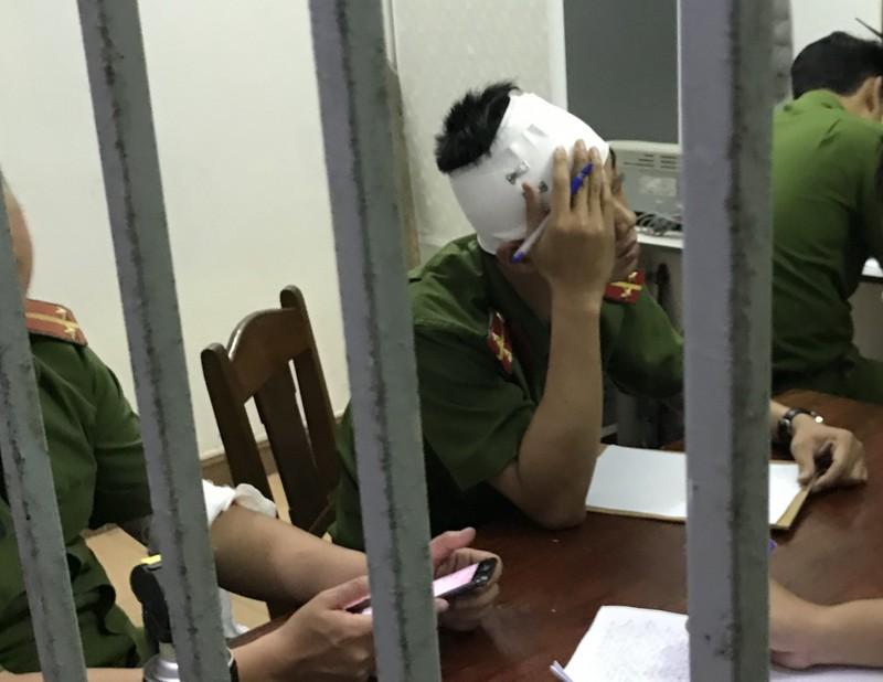 2 công an Đà Nẵng bị nhóm thanh niên tấn công phải nhập viện - ảnh 1