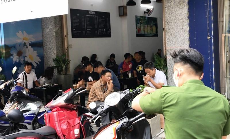 Đà Nẵng: Ra quân nhắc hàng quán đóng cửa chống dịch COVID-19 - ảnh 6