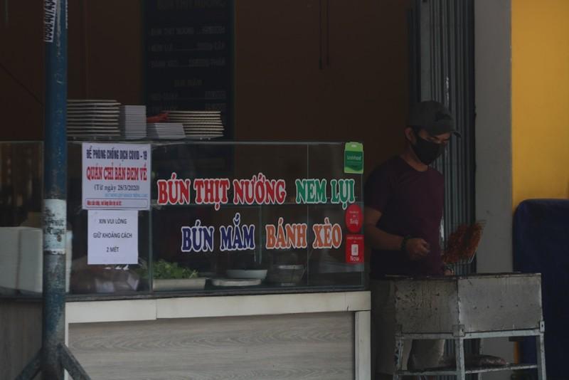 Người dân Đà Nẵng hồ hởi trong ngày đầu cho bán mang về - ảnh 2