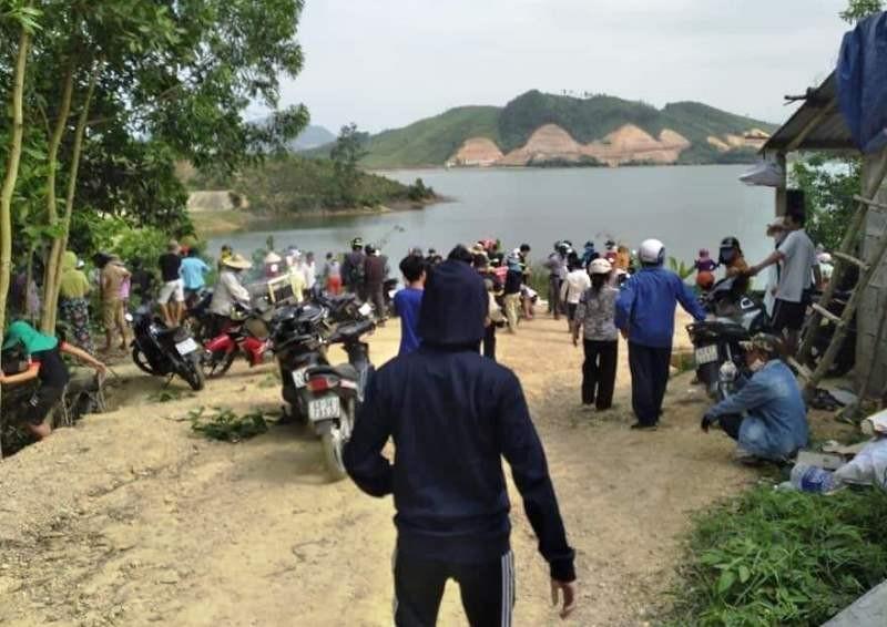 Từ TP.HCM đến Đà Nẵng dã ngoại, bị đuối nước - ảnh 1