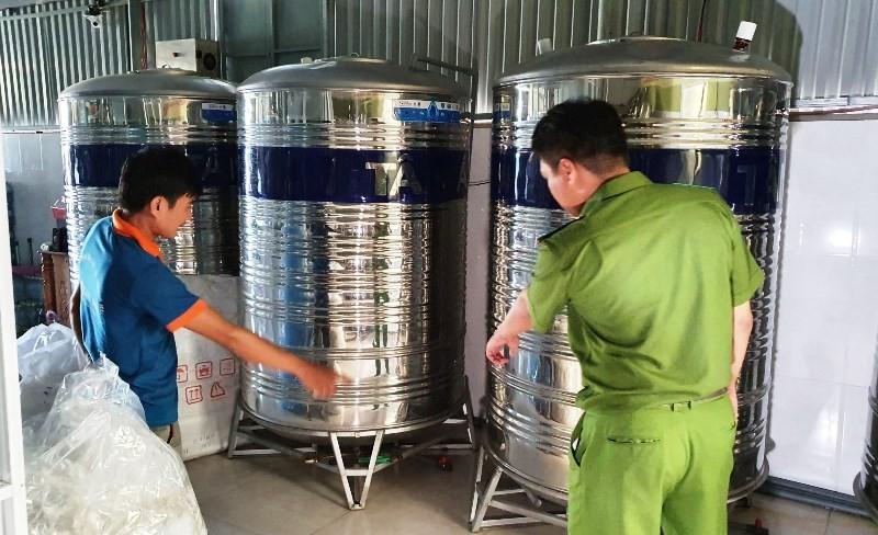 Đà Nẵng: 1 cơ sở dùng giếng khoan sản xuất nước đóng bình - ảnh 1
