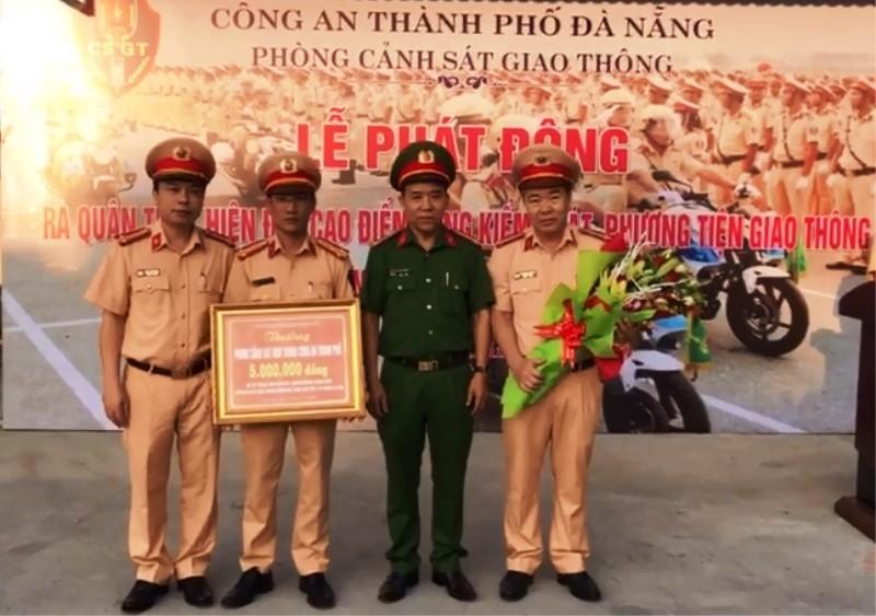 Đà Nẵng: CSGT đồng loạt ra quân  - ảnh 2
