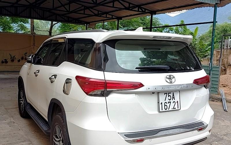 Xe 7 chỗ bị xử phạt vì chở khách  - ảnh 1