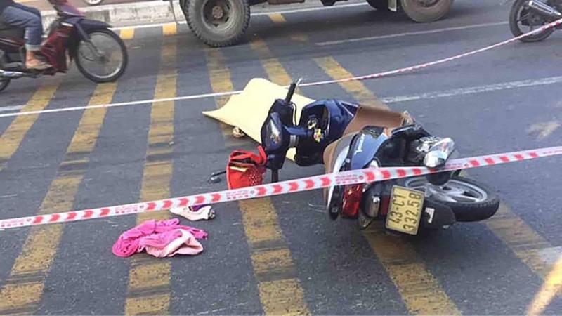 Xe ben chở đất gây tai nạn, 1 nữ công nhân tử vong - ảnh 1