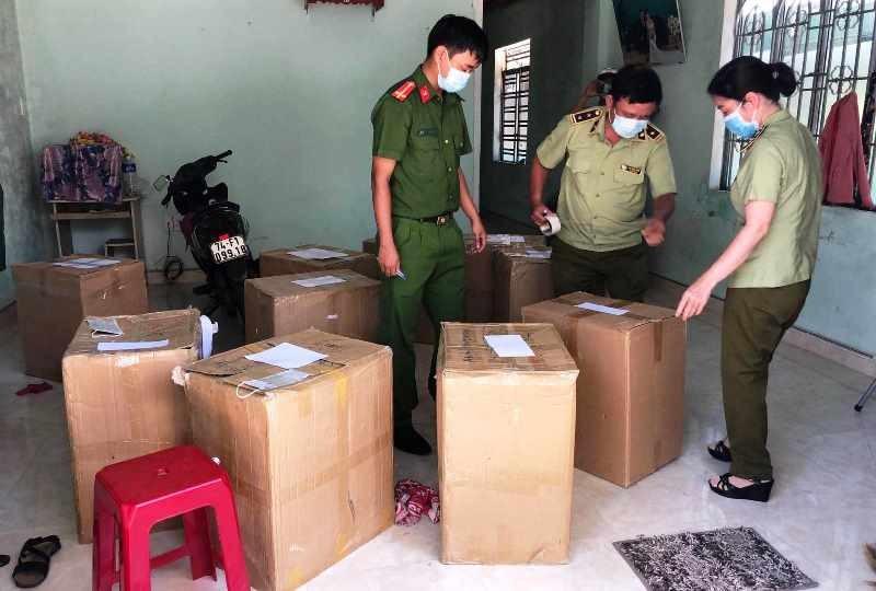 Phát hiện 24.000 khẩu trang y tế không nguồn gốc ở Đà Nẵng - ảnh 1