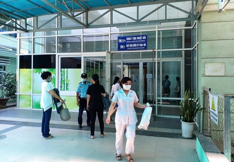 Đà Nẵng khẩn trương xây dựng bệnh viện dã chiến - ảnh 1