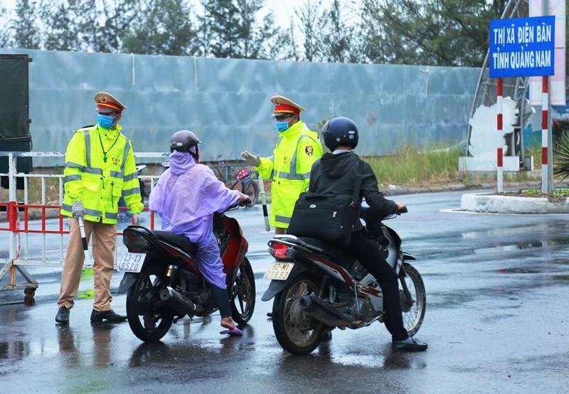 Đà Nẵng: Lập 8 chốt vận động xe cá nhân quay về - ảnh 1