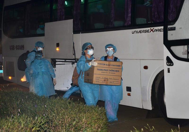 Đà Nẵng: Quân đội tiếp nhận 300 người cách ly từ bệnh viện  - ảnh 2