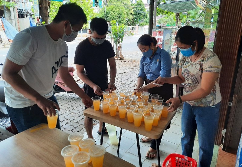 Đà Nẵng: Quản lý thị trường lập biên bản 1 quán bán bún  - ảnh 2