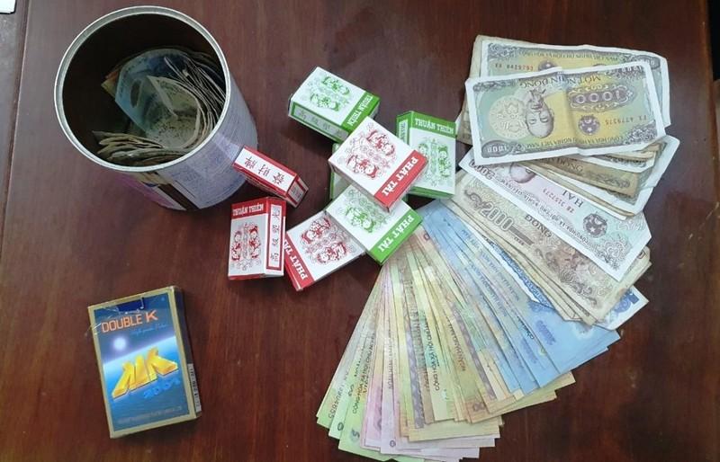 7 phụ nữ ở Đà Nẵng tụ tập đánh bạc bị phạt hơn 50 triệu đồng - ảnh 1