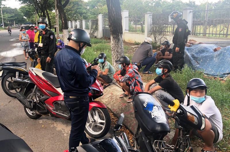 911 Đà Nẵng nổ súng trấn áp 2 nhóm tổ chức đánh nhau - ảnh 1