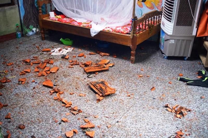 Đà Nẵng: Gió lớn khiến 2 căn nhà tốc mái - ảnh 5