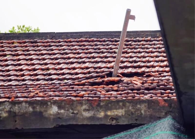 Đà Nẵng: Gió lớn khiến 2 căn nhà tốc mái - ảnh 6