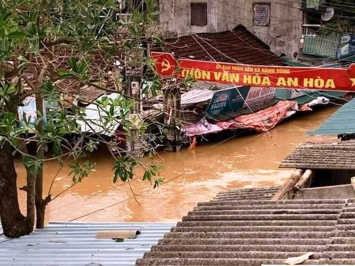 Nước các sông ở Quảng Ngãi đang lên, đã có nơi bị lụt - ảnh 1